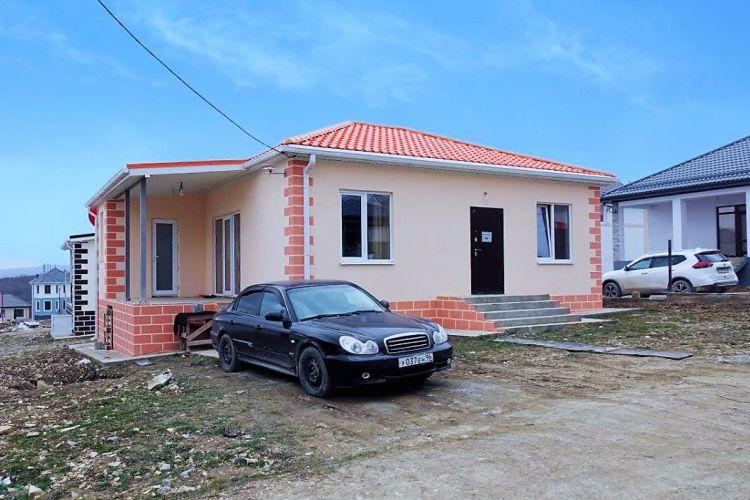 Готовый одноэтажный дом с террасой и бойлерной по проекту